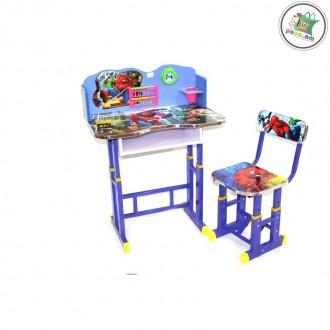 Մանկական փայտե գրասեղան իր աթոռով և պարագաներով